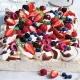 berry ripe pavlova
